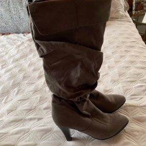 Gap slouchy boots, size 7